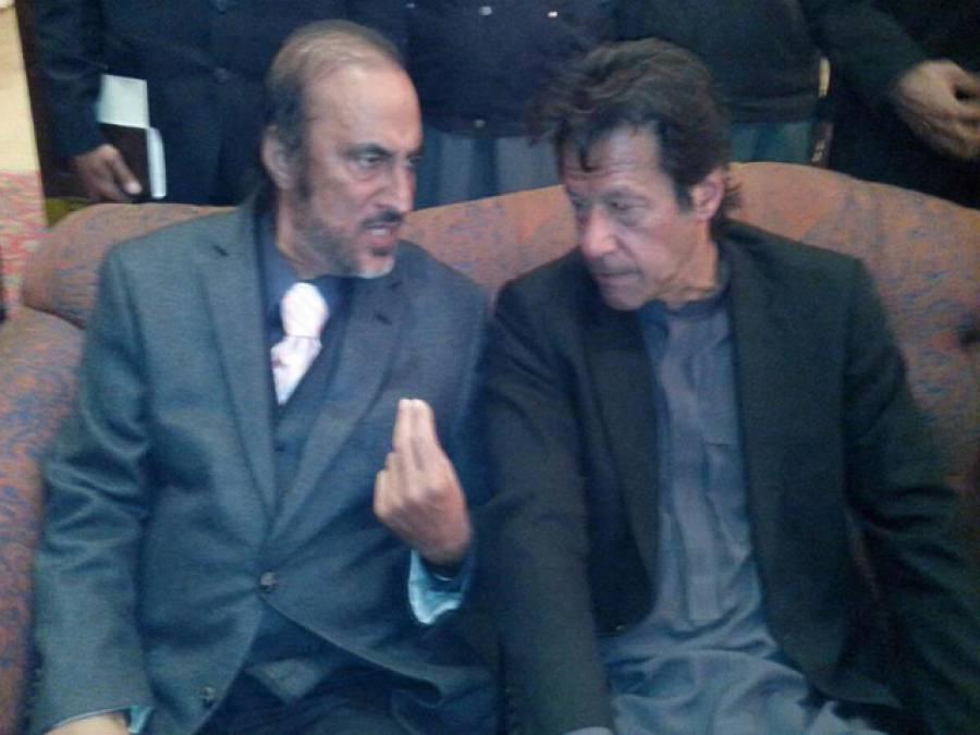 عمران خان کی ڈاکٹر بابر اعوان سے ملاقات، پانامااور سکیورٹی لیکس کا جائزہ لیا
