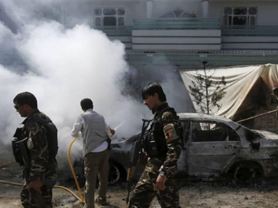 افغانستان ، سڑک کنارے پڑا بم پھٹنے سے باراتیوں کا قافلہ زد میں آ گیا ،خواتین اور بچوں سمیت 11افراد جاں بحق ،درجنوں زخمی