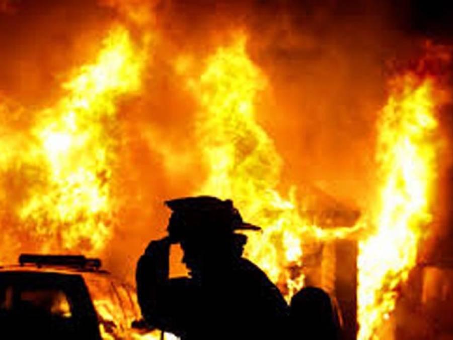 لاہور میں گارمنٹس کی فیکٹری میں آگ لگ گئی ،تین مزدور جاں بحق