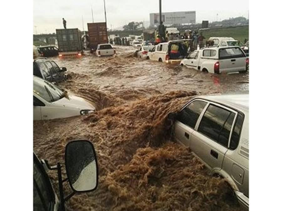 جوہانسبرگ: شدید بارشوں نے تباہی مچا دی، 3سالہ بچی سمیت 6افراد ہلاک،درجنوں لاپتہ