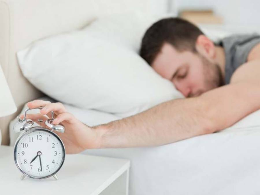 اگر آپ صبح تھکے ہوئے اُٹھتے ہیں تو رات کو سونے سے پہلے یہ ایک کام کرنا فوری چھوڑدیں، ایک ہی دن میں واضح فرق سامنے آجائے گا