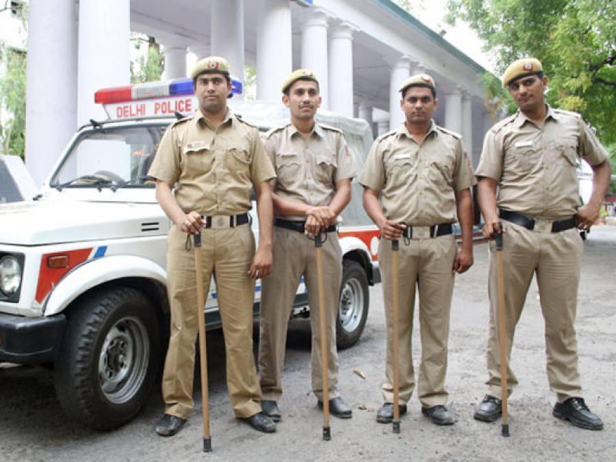 نئی دہلی: پیٹی سے پاکستان کیلئے تعریفی عبارت والا سیب نکل آیا، مقدمہ درج مقبوضہ کشمیر کے سپلائر تک پہنچیں گے: پولیس