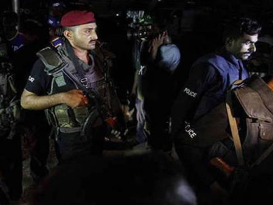 سیکیورٹی اداروں کی کارروائی ،یوسی چیئر مین عامر خان سمیت 2افراد گرفتار ،تفتیش کے لئے نامعلوم مقام پر منتقل