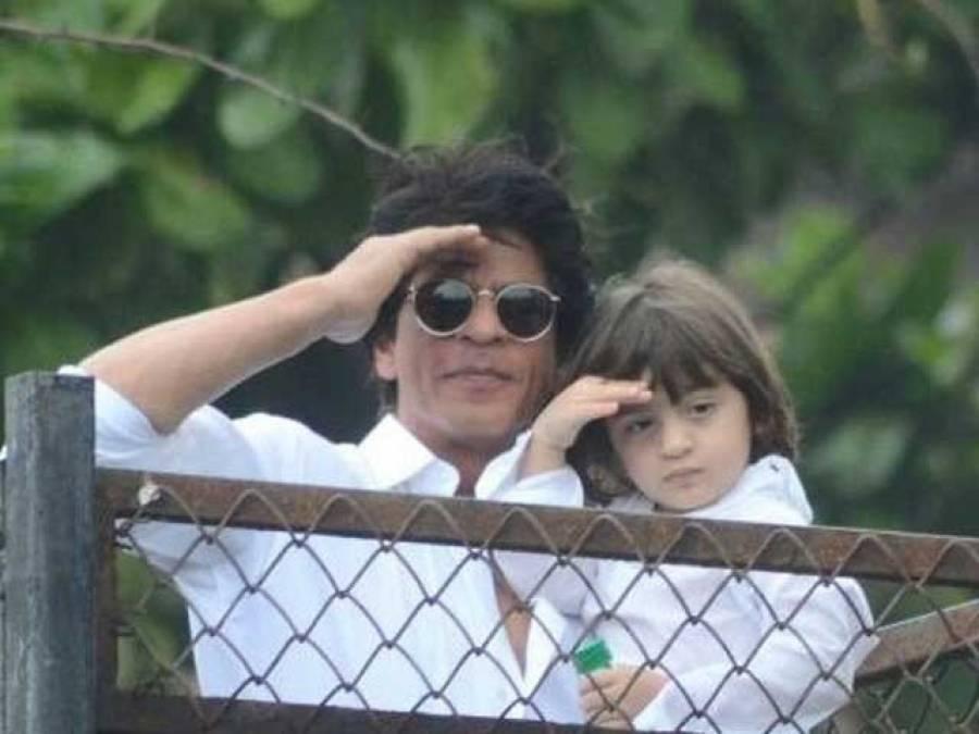 """بالی ووڈ سٹار شاہ رخ خان کا بیٹے کو """"ٹری ہاﺅس """" کا تحفہ"""