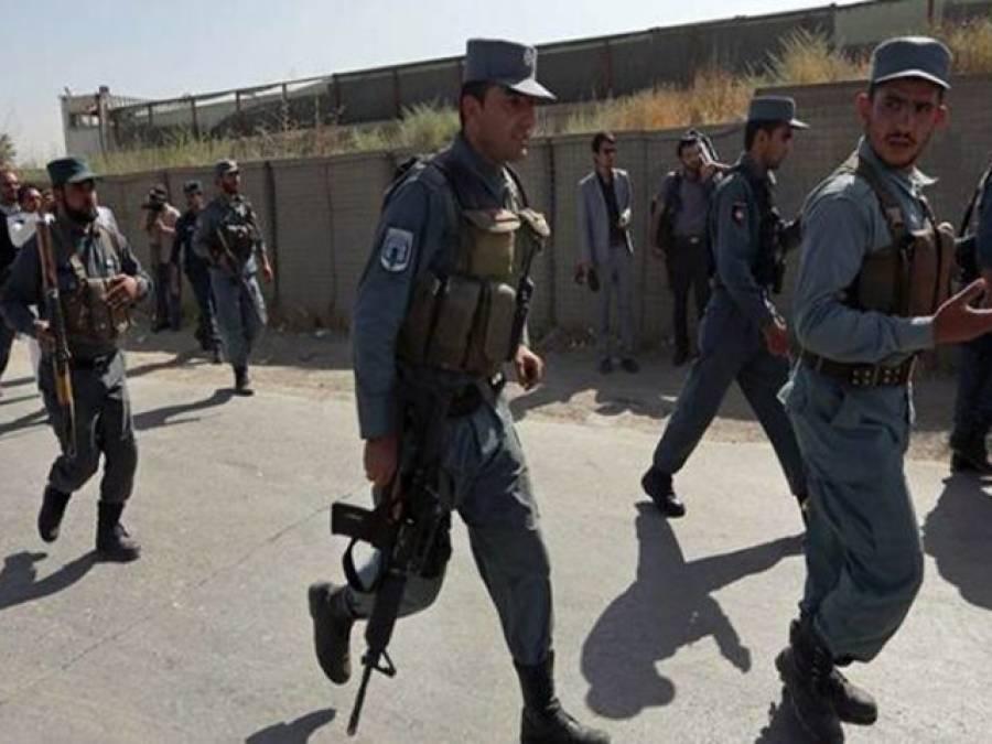 افغانستان دھماکوں کی زد میں ، کابل اور ہلمند کے بعد قندھار میں گیسٹ ہاﺅس کے باہر خود کش دھماکہ، 9افراد جاں بحق ،متحدہ عرب امارات کے سفیر اور قندھار کے گورنرسمیت16زخمی