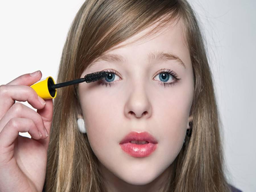 نوعمر لڑکیوں کے میک اپ کرنے سے کئی بیماریاں جنم لے سکتی ہیں، ماہرین صحت