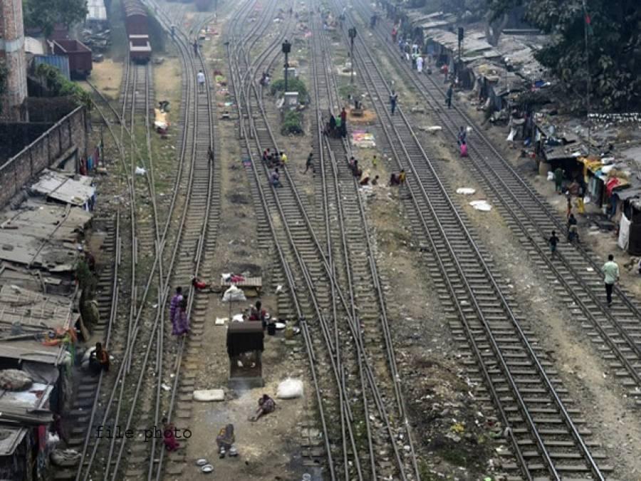 بنگلہ دیش میں ریلوے ملازم نے خاتون اور اس کی بیٹی کی زندگی بچانے کیلئے اپنی جان دیدی