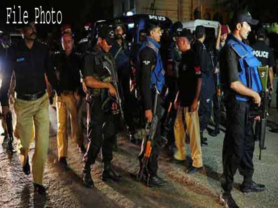 لاہور مختلف علاقوں میں سرچ آپریشن ، شہریوں کے شناختی کوائف کی چیکنگ
