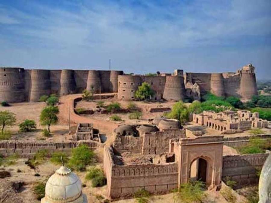 احمد پور شرقیہ :قلعہ ڈیراور سے ایک ہزار سال پرانے منجنیق کے گولے برآمد