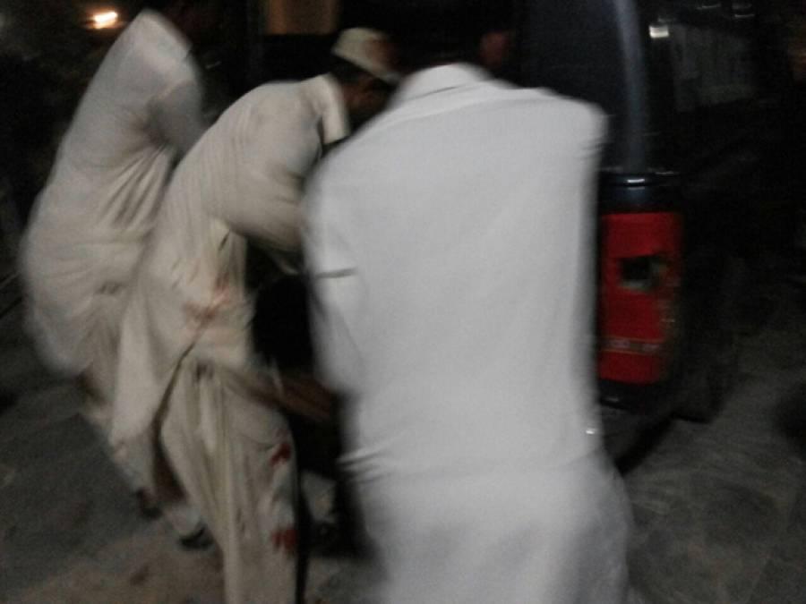 لعل شہباز دھماکہ، 100 سے زائد زخمیوں کو اپنی مدد آپ کے تحت ہسپتال منتقل کردیا، تاحال کوئی امداد نہیں پہنچی: عینی شاہد