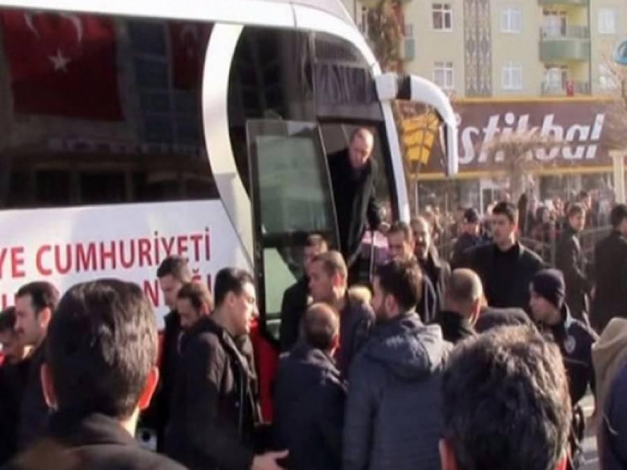 ترک صدرطیب اردوان کی بس نے ان کے ذاتی محافظ کو کچل ڈالا