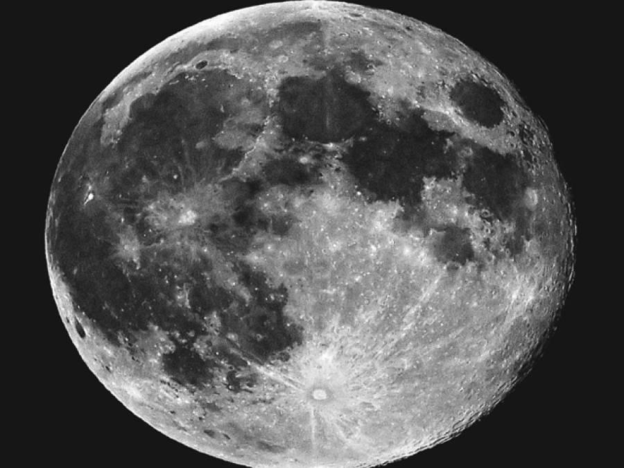 اپنی عوام کو بیت الخلا کی سہولت فراہم کر نے میں ناکام بھارت نے توانائی حاصل کرنے کے لیے چاند پر نظریں ڈالنا شروع کردیں