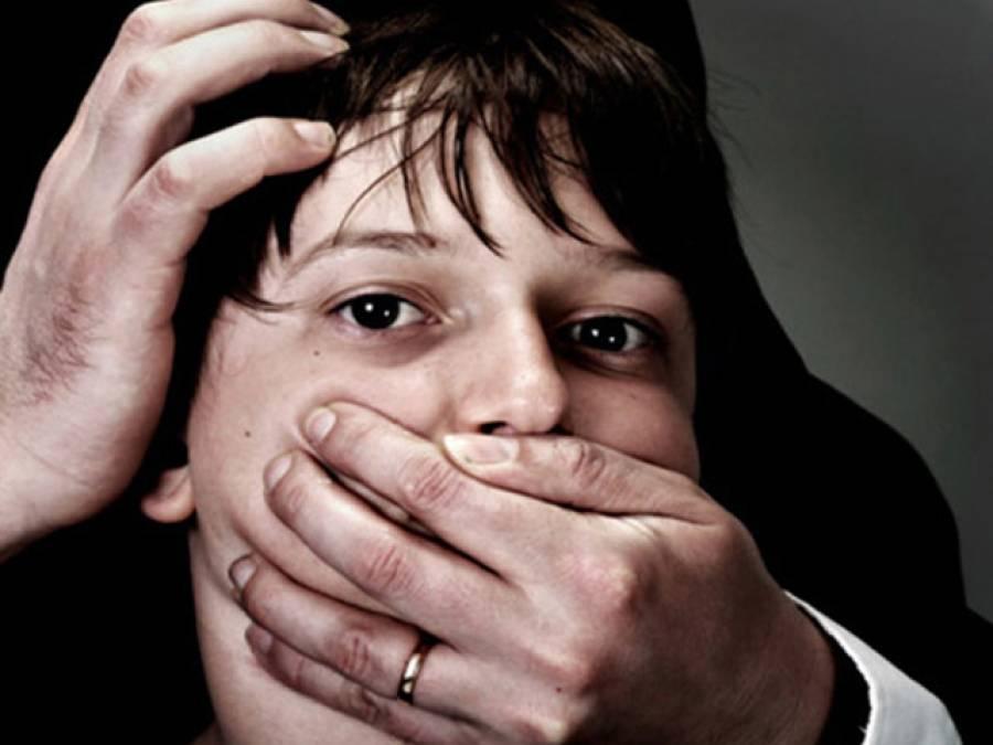 چیچہ وطنی : 3 افراد کی گن پائنٹ پر 90 روز تک زیادتی، ویڈیو بنا کر بلیک میلنگ