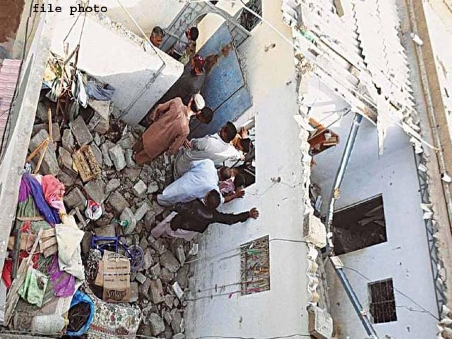 مالاکنڈ ایجنسی:بوسیدہ مکان کی چھت گرگئی، بچےسمیت 3افراد جاں بحق،4زخمی