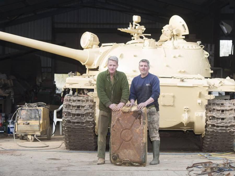 آدمی نے شوقیہ کباڑیے سے سالوں پرانا روسی ٹینک خرید لیا، چند لاکھ روپے کا ٹینک جب کھول کر دیکھا تو اندر سے خزانہ نکل آیا، پل بھر میں امیر ترین آدمی بن گیا، یہ خزانہ ٹینک میں کس ملک کی فوج نے چھپایا ؟ روس نے نہیں بلکہ۔۔۔