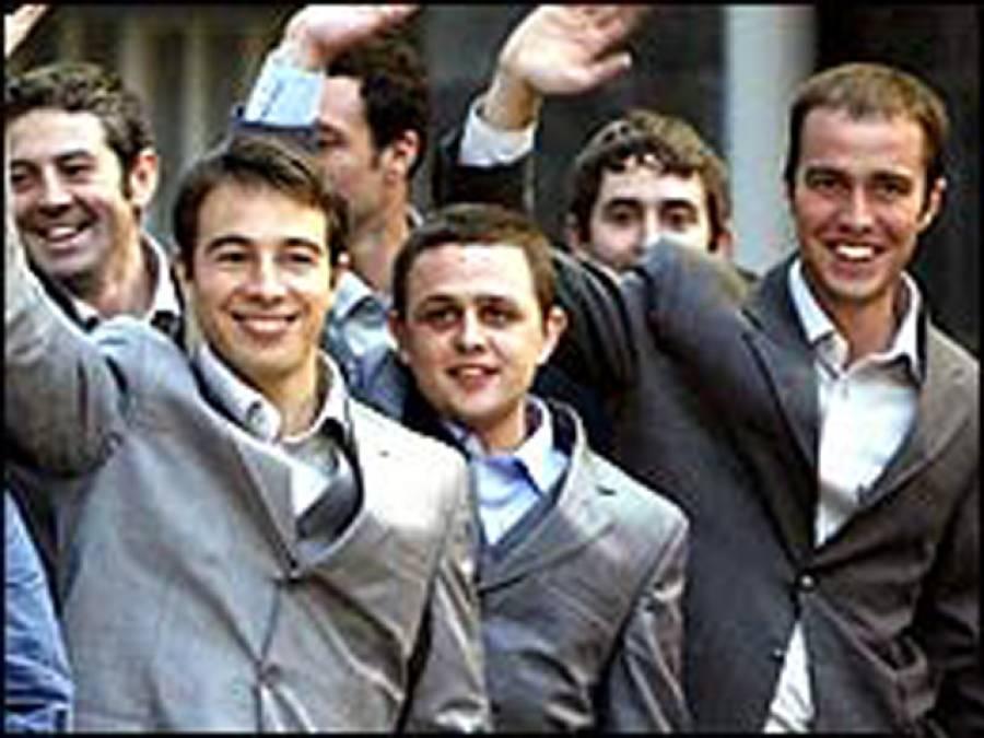 کیا آپ کو معلوم ہے ایرانی مَردوں کو ٹائی پہننے کی اجازت کیوں نہیں؟ اصل وجہ جان کر آپ کی حیرت کی بھی انتہا نہ رہے گی
