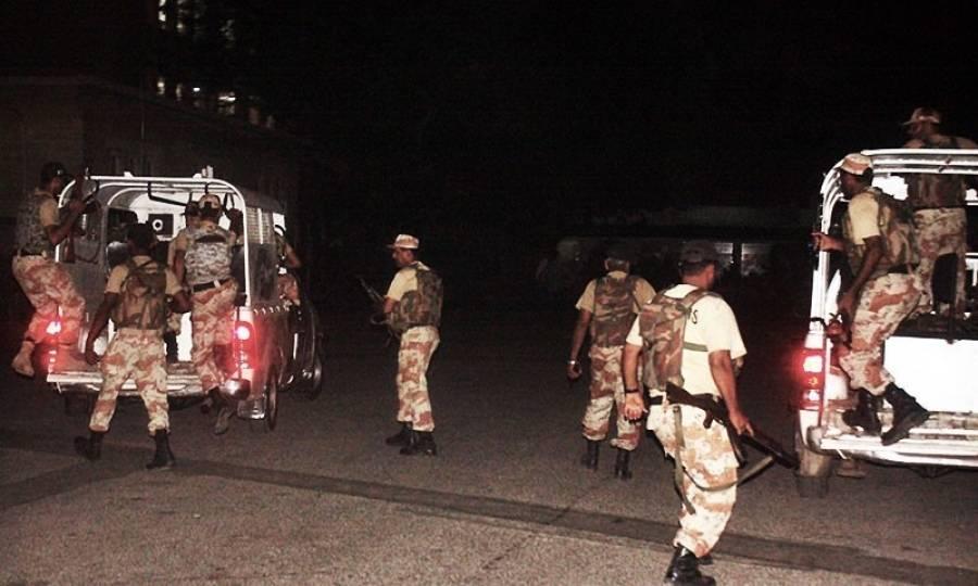 رینجرز کی شہر قائد کے مختلف علاقوں میں کارروائی، سیاسی جماعت کے ٹارگٹ کلر سمیت 5ملزمان گرفتار،اسلحہ بر آمد