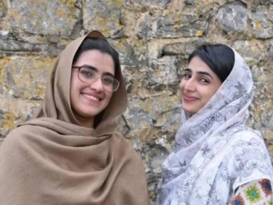 جب ملالہ یوسفزئی کو گولی ماری گئی تو اس کی ہم جماعت دو لڑکیاں بھی ساتھ تھیں، اب یہ کہاں ہیں اور کیا کررہی ہیں؟ انتہائی حیران کن خبر آگئی