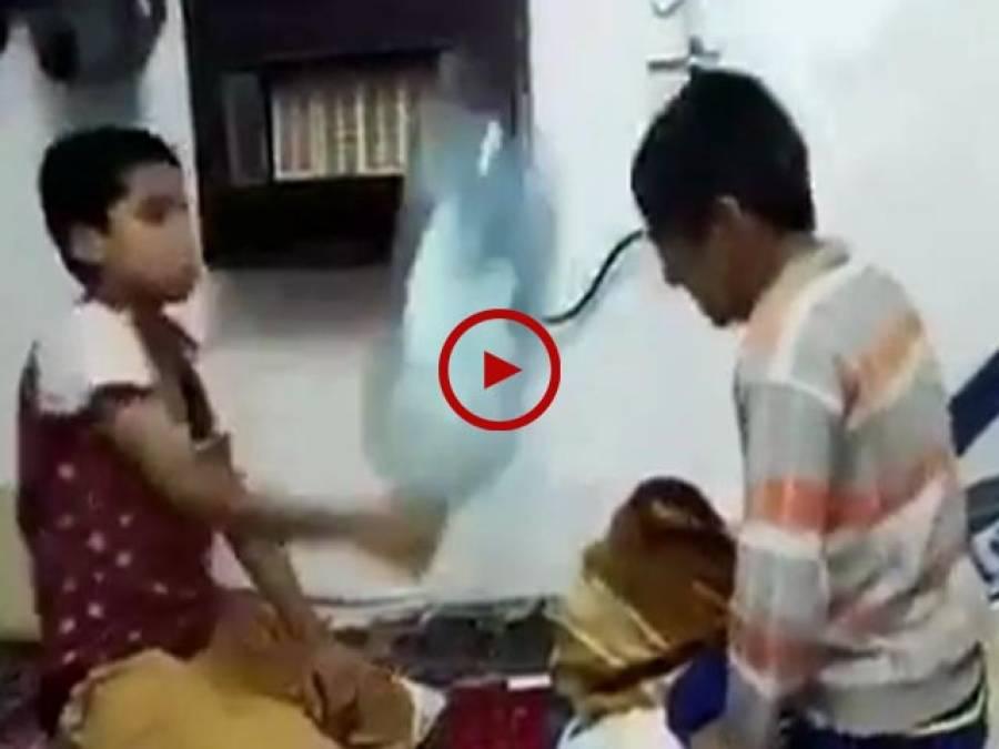 بہت مزے کی ویڈیو۔ اس ویڈیو کے اختتام میں دیکھیں جب صبر کا پیمانہ لبریز ہو گیا تو کیا ہوا۔ ویڈیو: سیار احمد۔ سعودی عرب
