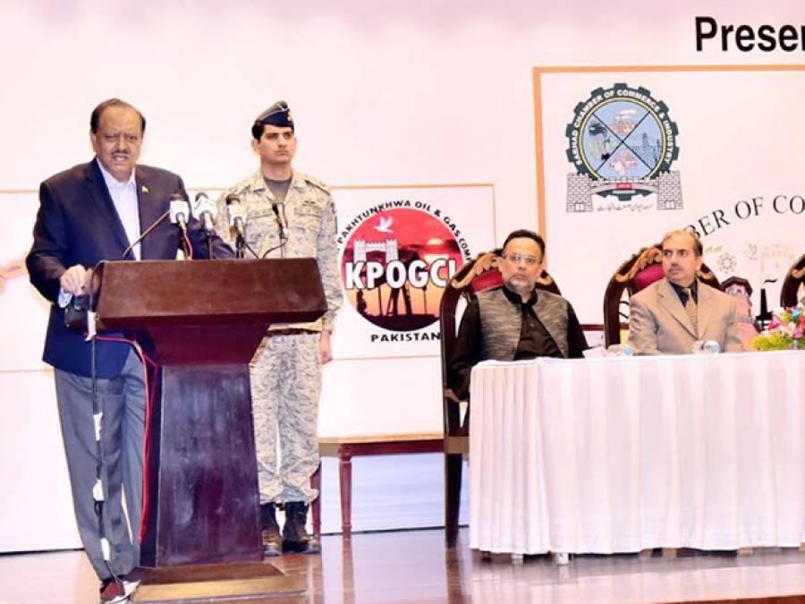 بھارت کو امن و دوستی کا پیغام دیتے ہوئے کہتا ہوں کہ کشیدگی کے ذریعے خطے کی ترقی اور امن و استحکام کو خطرے میں نہ ڈالے ، افغانستان ہمارے خلوص کو سمجھے:صدر مملکت ممنون حسین