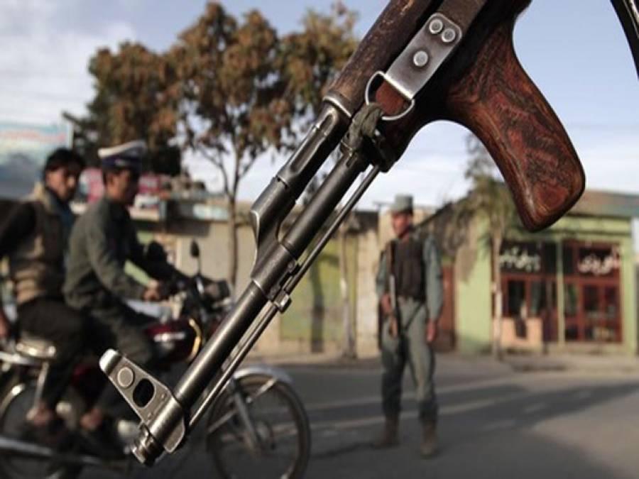 نامعلوم افراد کی فائرنگ ،افغان صوبے کے ڈسٹرکٹ گورنر بیٹے سمیت قتل