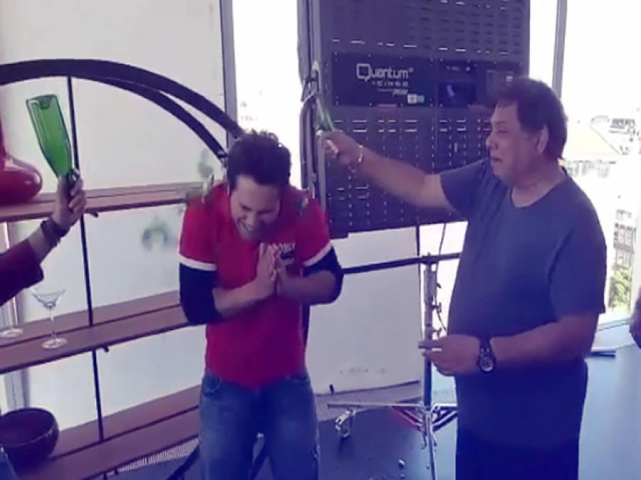 بالی ووڈ اداکار ورون دھون کے والد نے ان کے سر پر شیشے کی بوتل توڑ دی