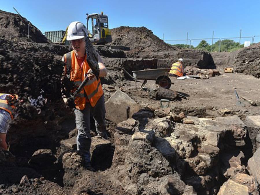کرکٹ گراﺅنڈ میں نئے پویلین کی تعمیر، مزدوروں نے کھدائی شروع کی تو زمین سے 1600 سال پرانی ایسی چیز نکل آئی کہ ہر کسی کی آنکھیں کھلی کھلی رہ گئیں