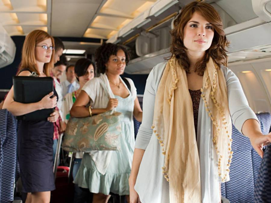 وہ ائیرلائن جس نے مسافر جہاز سے سیٹیں ختم کرنے کا فیصلہ کرلیا، مسافر کیسے سفر کریں گے؟ جان کر آپ کی حیرت کی کوئی انتہا نہ رہے گی
