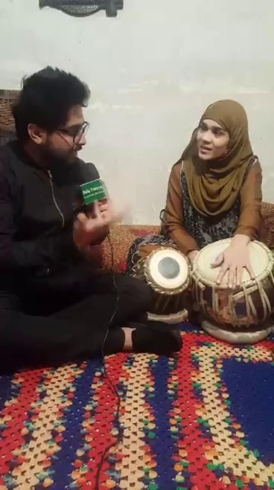 لڑکیاں بھی کسی سے کم نہیں، پہلی پاکستانی ٹیلنٹڈ لڑکی جو ایسا طبلہ بجاتی ہے کہ بڑے بڑے استاد بھی داد دینے پر مجبور ہوجائیں، منفرد ٹیلنٹ آپ بھی براہ راست دیکھئے