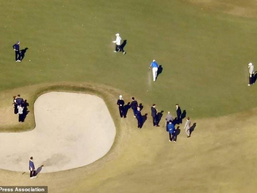 ڈونلڈ ٹرمپ کے ساتھ گالف کھیلتے ہوئے جاپانی وزیر اعظم گڑھے میں گر گئے