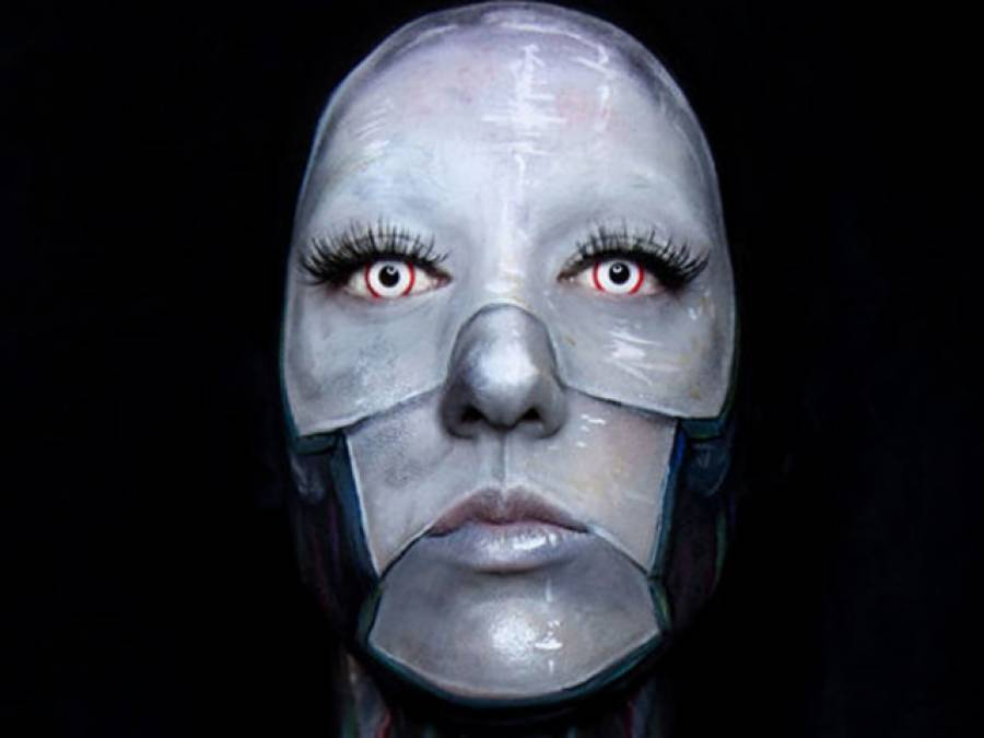 نیا مذہب وجود میں آگیا، جس کا 'خدا' ایک روبوٹ۔۔۔ ایسی خبر آگئی کہ دنیا بھر کے لوگ حیران پریشان رہ گئے
