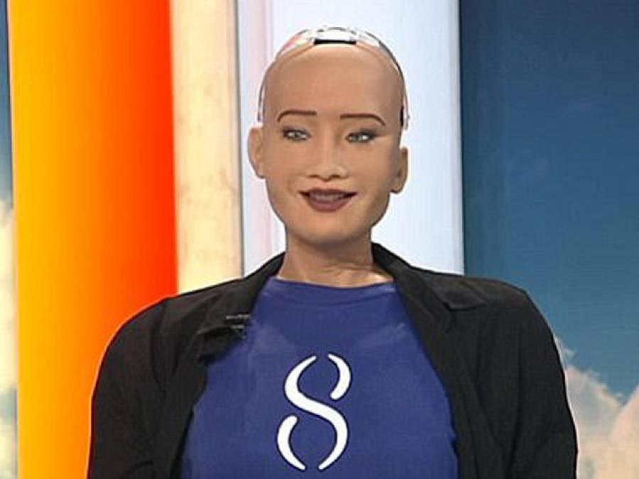سعودی عرب کی روبوٹ شہری صوفیہ کا پہلا انٹرویو، پہلی مرتبہ منظر عام پر آتے ہی ایسی بات کہہ دی کہ دنیا میں ہنگامہ برپاہوگیا