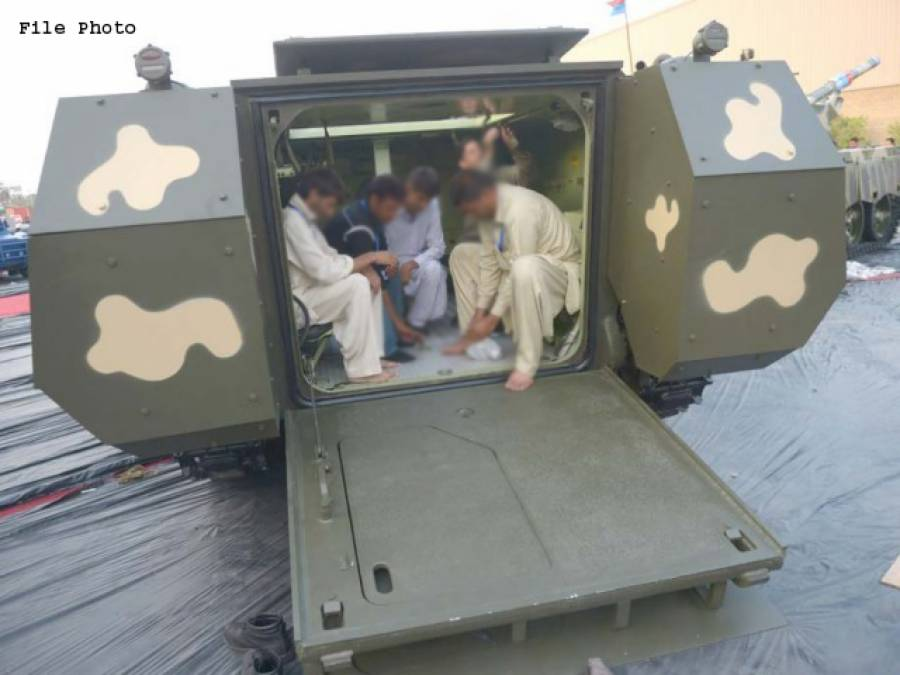امریکہ کی جانب سے 11 بکتر بند گاڑیاں پاکستان کے حوالے کردی گئیں