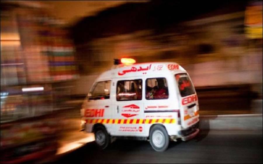 خانیوال: موٹروے پر مسافر بس ٹرالر سے ٹکرا کر الٹ گئی، 11 افراد جاں بحق,28زخمی