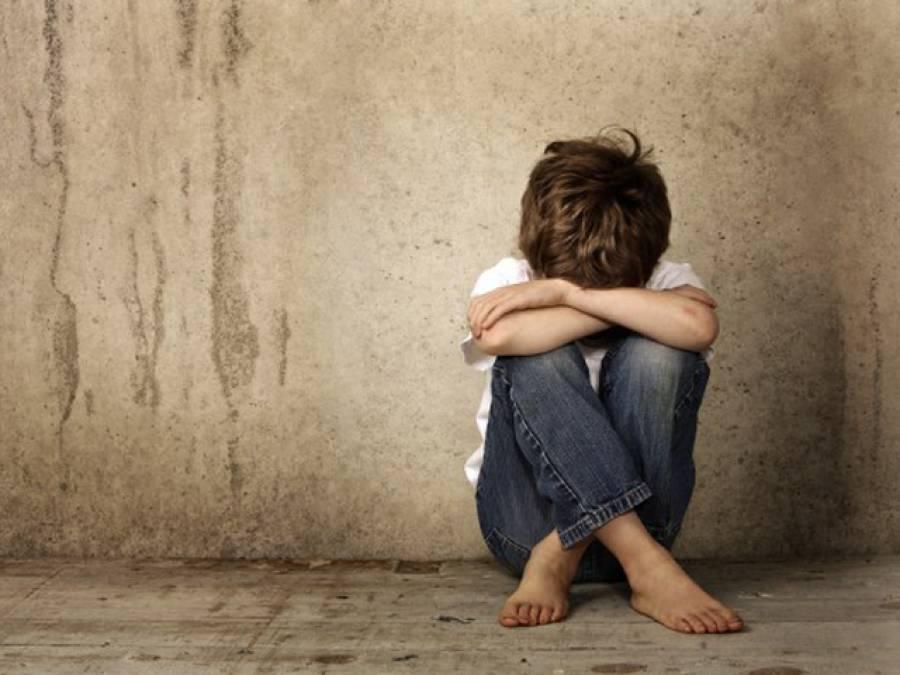 داتا دربار سے بچوں کو اغواءکرنیوالے ملزم کا اپنے حقیقی بیٹے سے بھی بدفعلی کا انکشاف، وہ ایسا کیوں کرتا تھا؟ دوران تفتیش ایسا انکشاف کہ آپ سر پکڑ کر بیٹھ جائیں گے