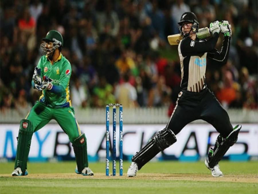تیسر ا ون ڈے ،پاکستان بمقابلہ نیوزی لینڈ ، پاکستان کی ہدف عبور کرنے کیلئے بیٹنگ جاری