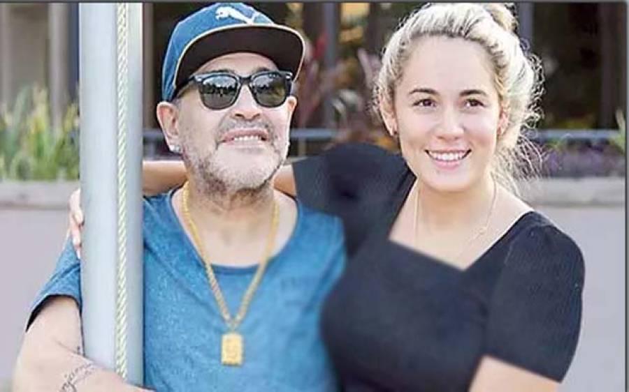 فٹباولر''ڈیگو میراڈونا'' کی اپنی بیٹی ڈالما کی شادی میں شرکت مشکوک