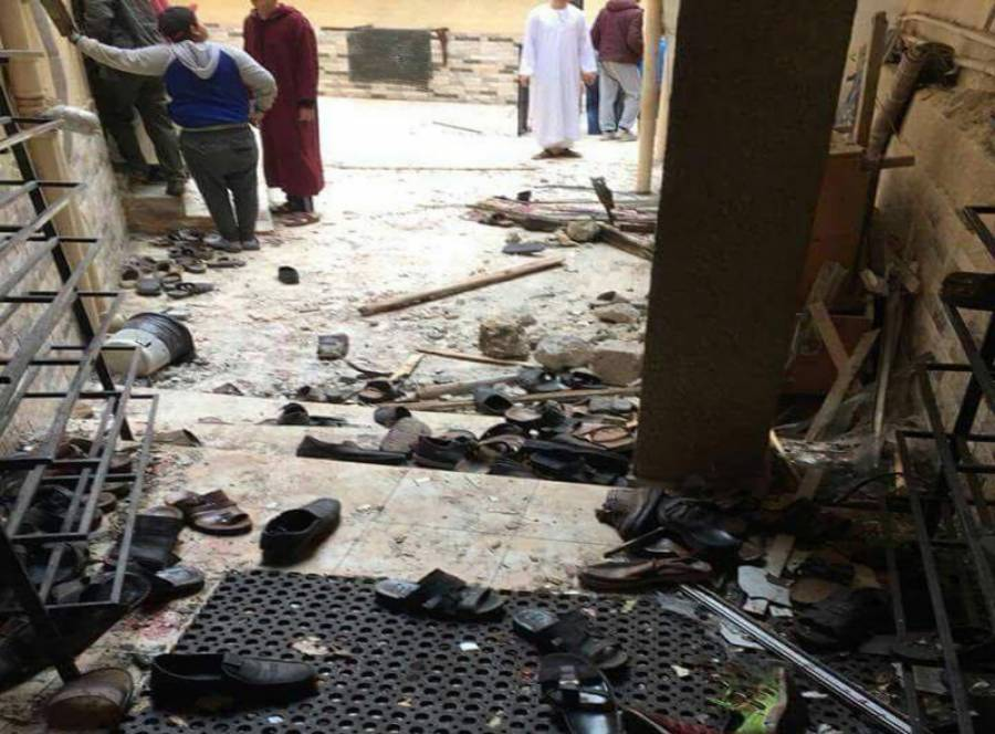 بڑے مسلمان ملک کی مسجد میں نماز کے موقع پر بم دھماکہ، انتہائی افسوسناک خبرآگئی