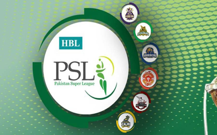 پی ایس ایل کے تیسرے ایڈیشن کا سفر شروع: لاہور قلندرز دبئی پہنچ گئی