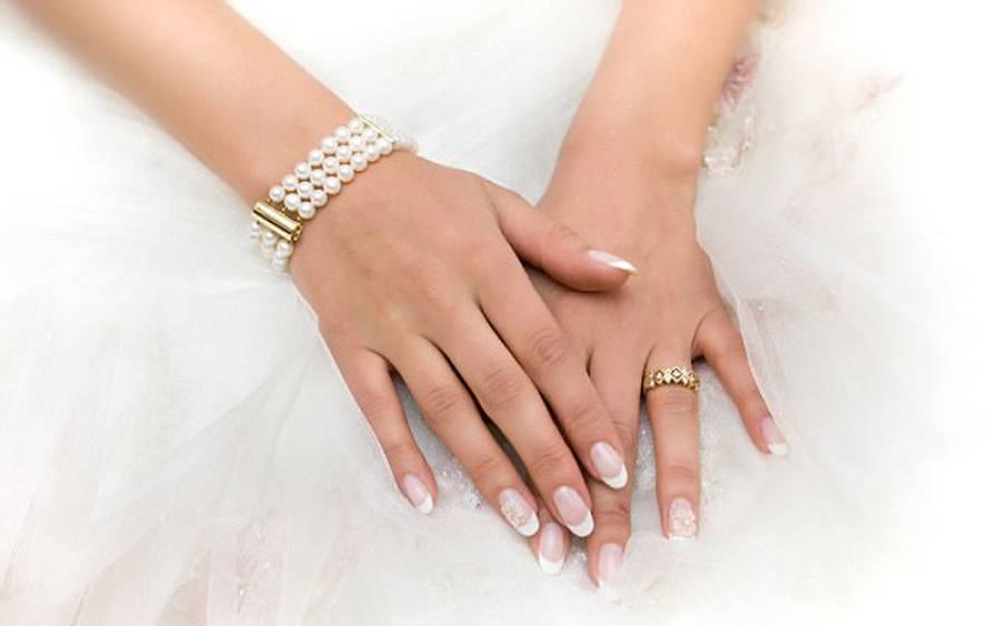 مردوں کی نسبت لڑکیوں کے ہاتھ ہر وقت ٹھنڈے کیوں رہتے ہیں؟ سائنسدانوں نے انتہائی حیران کن وجہ بے نقاب کردی