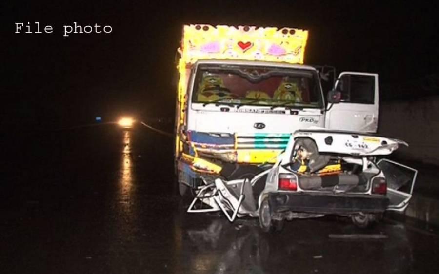 شیخوپورہ میں ڈمپر کار پر گرنے سے 2 کونسلر سمیت 4 افراد جاں بحق