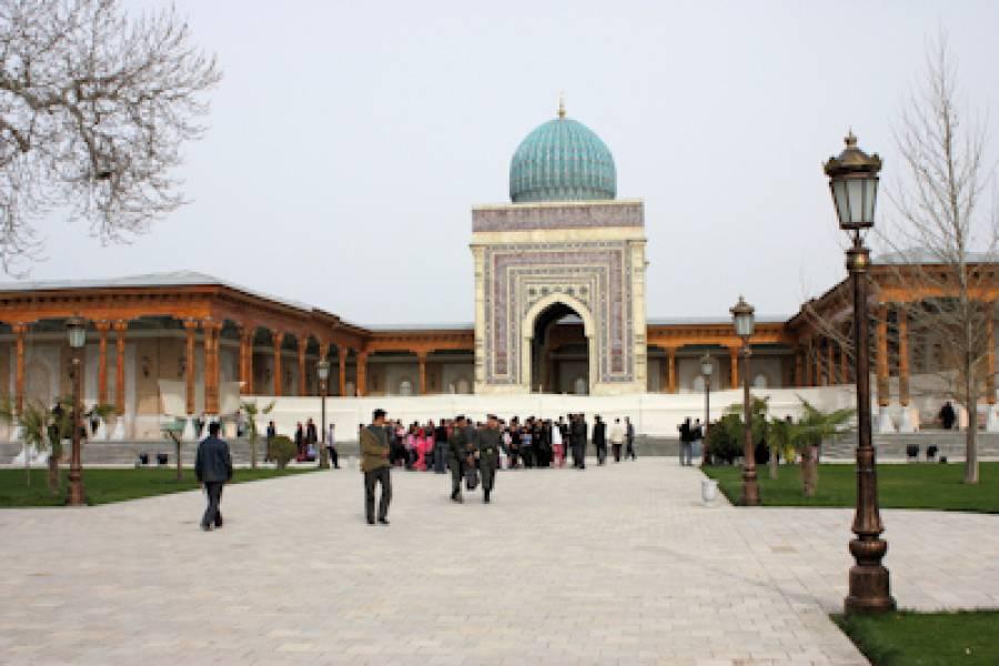 امام بخاریؒ ہزاروں احادیث کیسے یاد رکھتے تھے ، ان کا امتحان لینے والے انہیں کیسے چکمہ دینے کی کوشش کرتے تھے؟یہ جان کر ہر مسلمان عش عش کر اٹھے گا