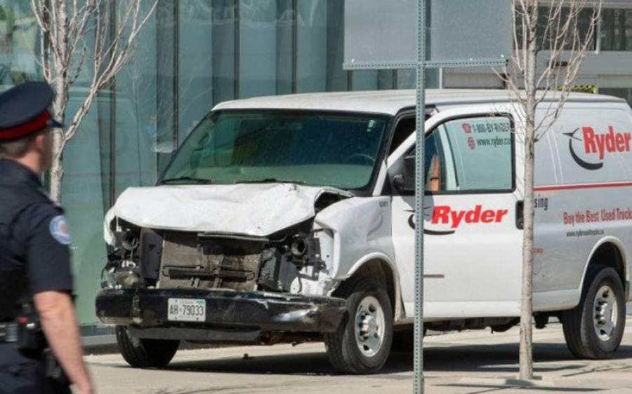 کینیڈا میں وین ڈرائیور نے راہ گیروں پر گاڑی چڑھا دی، 10 افراد ہلاک