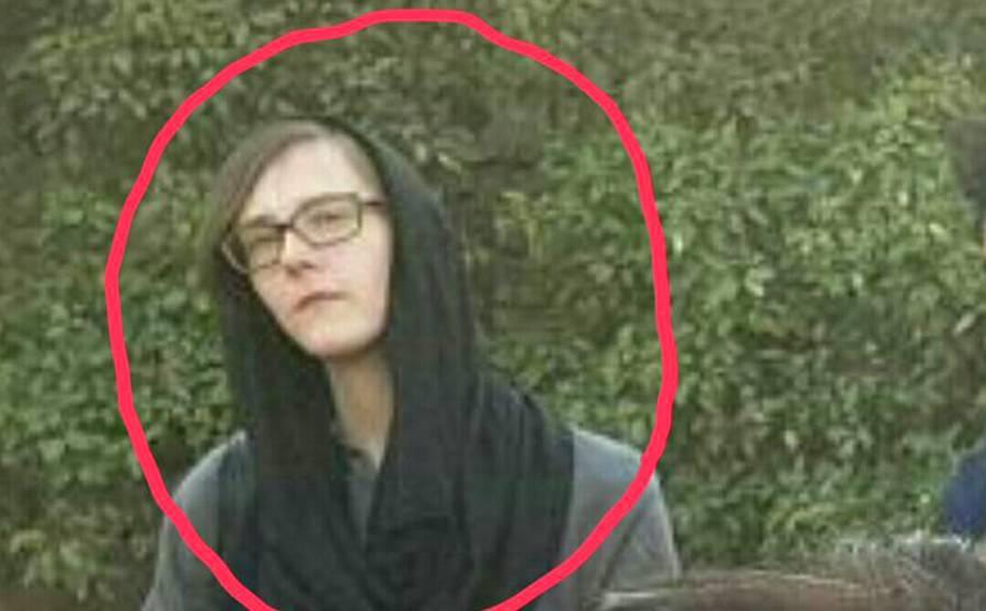 پشتون تحفظ موومنٹ کے جلسے میں موجود اس خاتون کو امریکی ایجنٹ کہا جا رہا ہے لیکن یہ کس کی بیوی نکلی؟ جان کر آپ کو اپنی آنکھوں پر یقین نہیں آئے گا