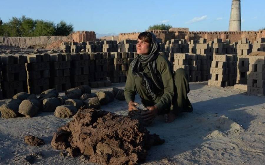 یہ 18 سالہ افغان لڑکا دراصل کون ہے، اس کی حقیقت کیا ہے؟ جواب ایسا کہ آپ کبھی خوابوں میں بھی نہیں سوچ سکتے، جان کر آپ کو اپنی آنکھوں پر یقین نہیں آئے گا کہ ایسا بھی ممکن ہے