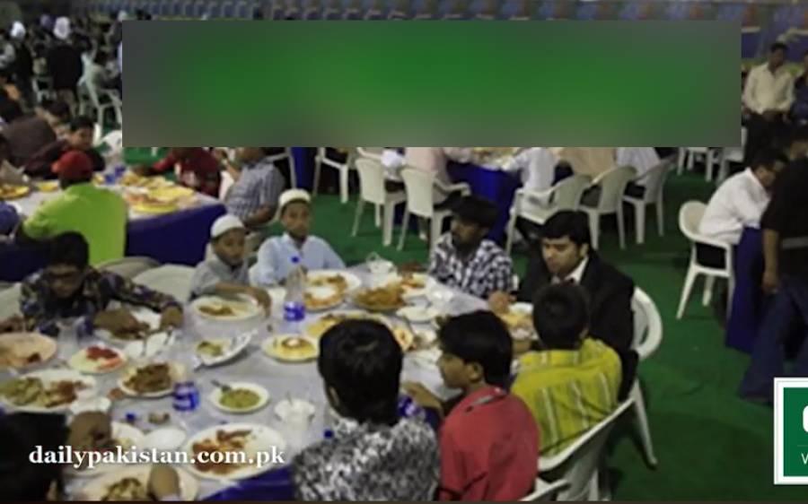 شادی کی تقریب میں کونے میں اکیلے بیٹھے شخص سے ہونے والی ایسی گفتگو جسے سن کر آپ کو بھی اہم سبق ملے گا
