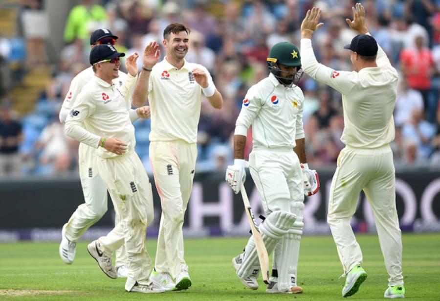 دوسرا ٹیسٹ ،پہلے روز کا کھیل ختم ،انگلینڈ نے دو کٹوں کے نقصان پر 106 رنز بنا لیے