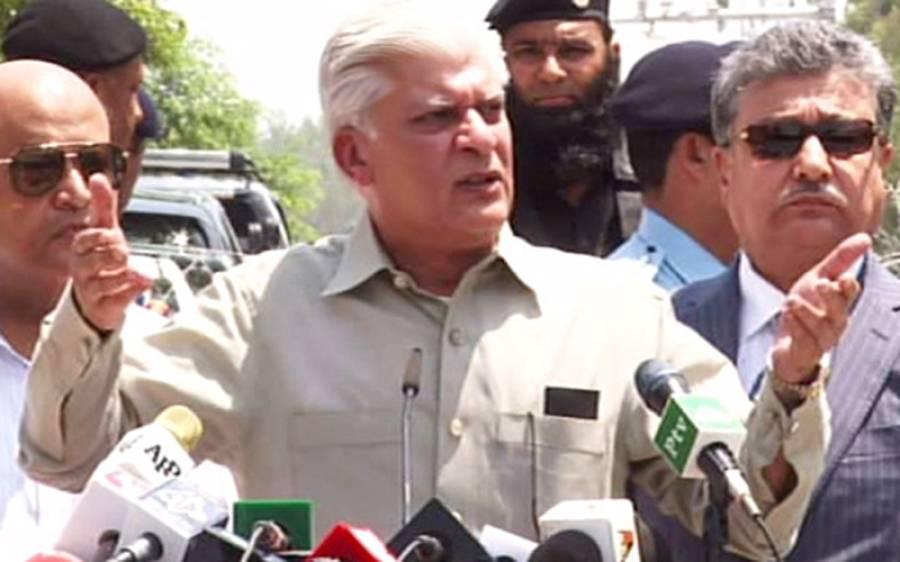 احتساب عدالت پہنچنے والے واحد لیگی رہنما آصف کرمانی کو کمرہ عدالت میں داخل ہونے سے ہی روک دیا گیا کیونکہ ۔۔۔