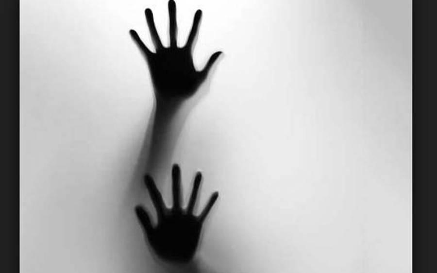 دوشیزہ کو اغواءکر کے اجتماعی زیادتی ،ملزم لڑکی کونیم مردہ حالت میں چھوڑ کر فرار