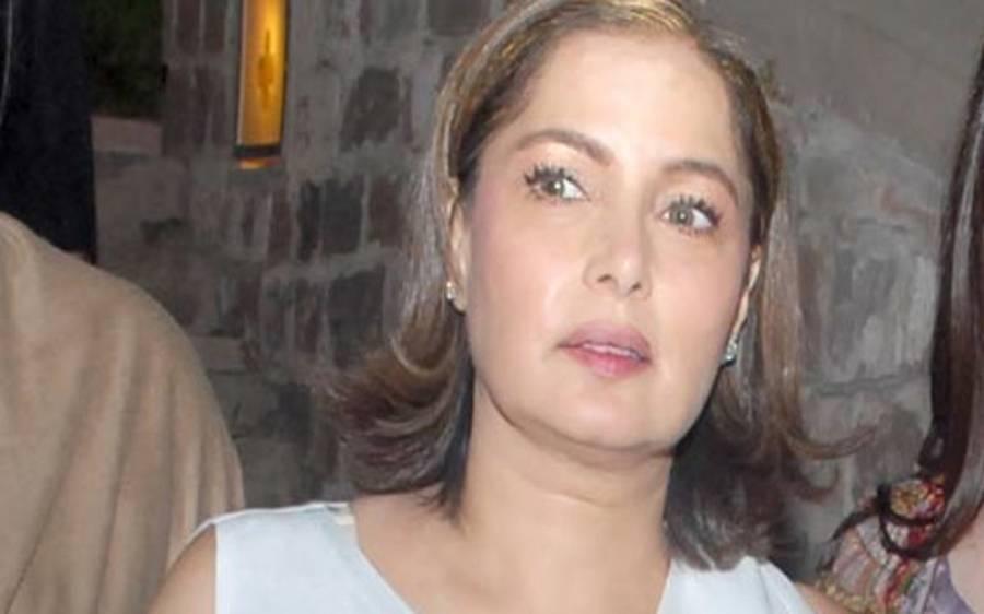 اداکارہ بابرہ شریف مکان پر قبضہ چھڑانے کیلئے سپریم کورٹ لاہور رجسٹری پہنچ گئیں